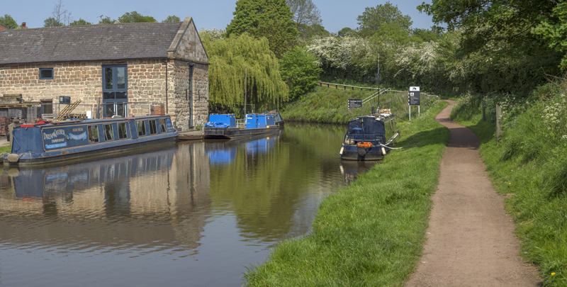 Canal, Worcester