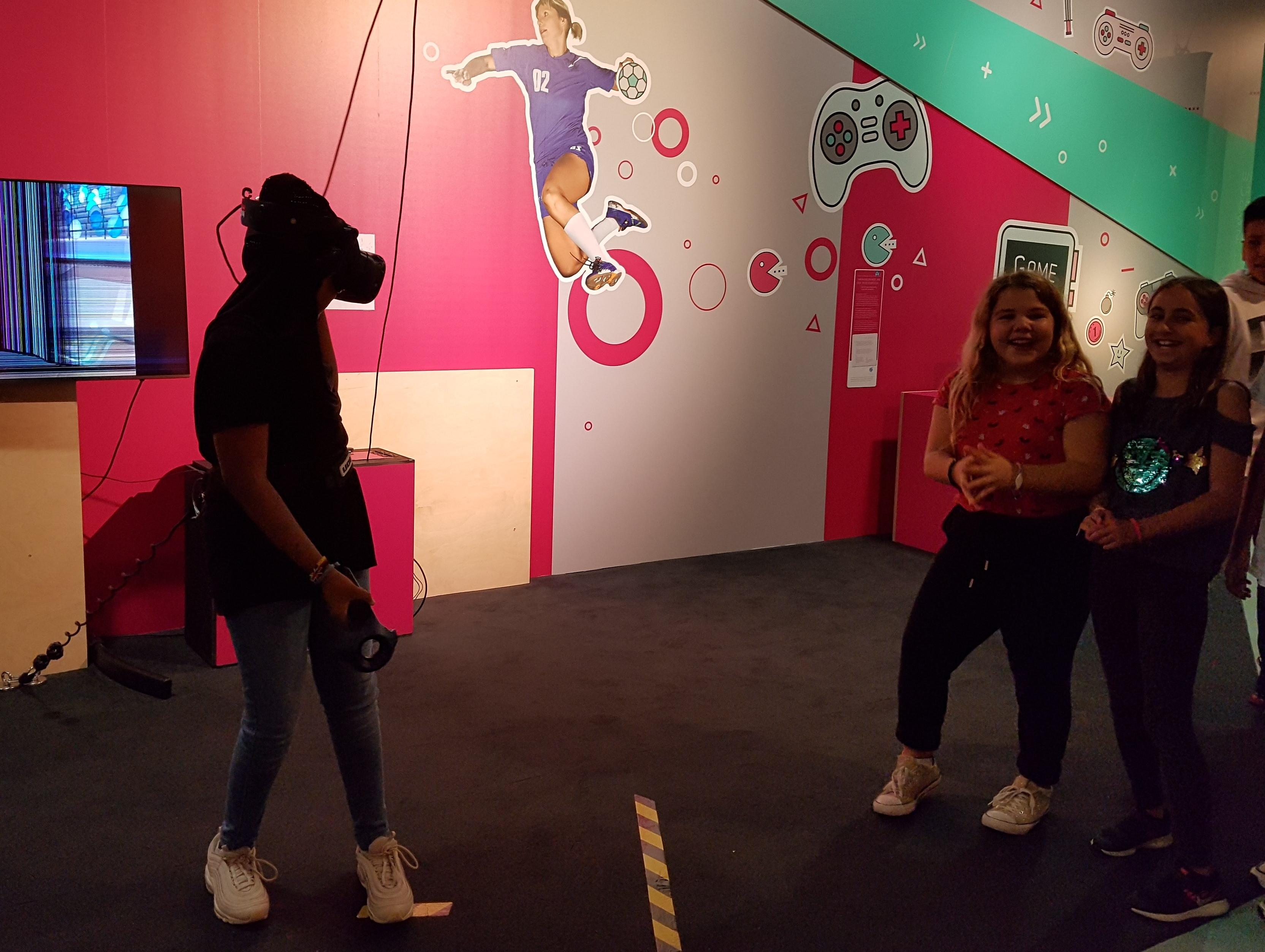 Ausstellung der MS Wissenschaft