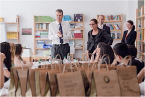 Der Europavorstand der Hilton – Hotels  mit Schüler(innen) der Anne-Frank-Realschule plus Mainz (2014)