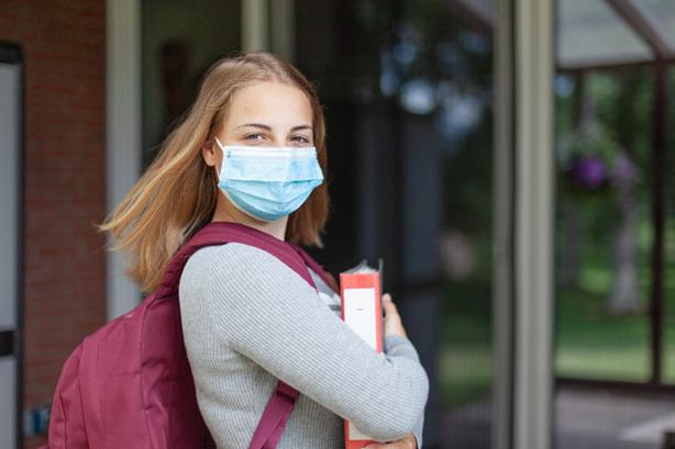 Maskenpflicht im Schulgelände, auf dem Pausenhof und während des Unterrichts